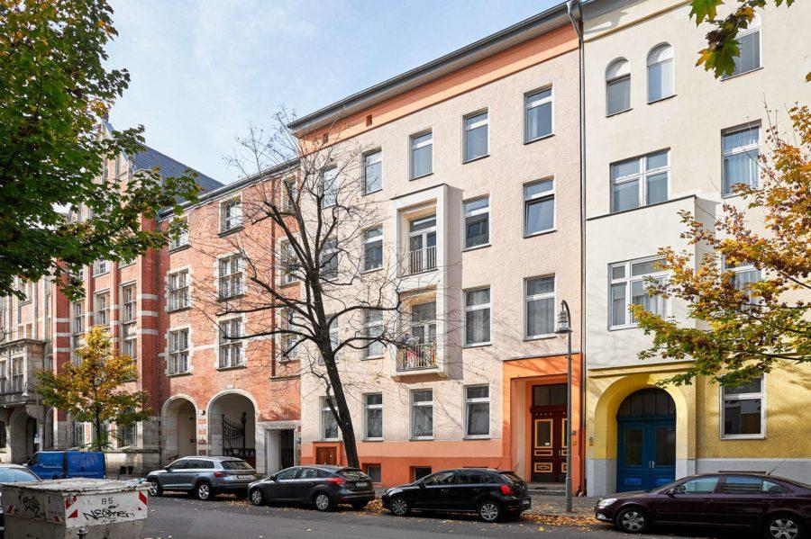 Modernisierte Altbau-Beletagewohnung mit Terrasse und Garten fußläufig zum Potsdamer Platz - Bild