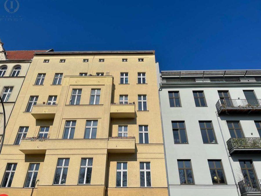 Ruhige Lage! Zwei nebeneinander liegende Wohnungen plus 90 m² Dachgeschossfläche in Toplage - Gebäudeansicht