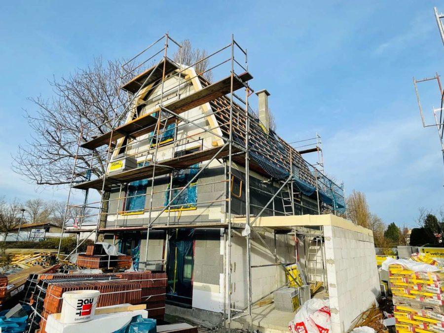 Highlight: Erstbezug neues freistehendes Einfamilienhaus mit Garage in Berlin - Baufortschritt