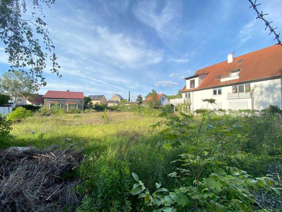 Circa 2000m² BGF! Attraktives Baugrundstück mit Bauvorbescheid für 4 MFH in sehr begehrter Lage - Foto 2