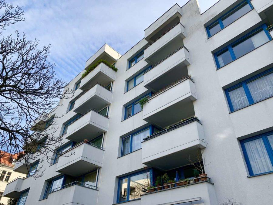 Bezugsfrei: Sehr attraktive lichtdurchflutete 3-Zi. Wohnung mit SW-Balkon & Stellplatz - Hausansicht