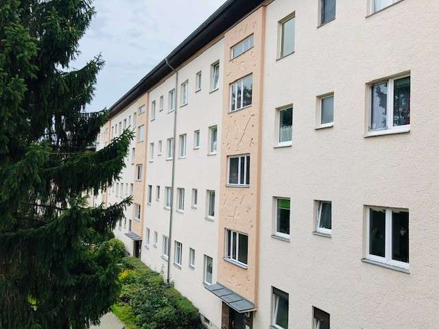 Top sanierte & moderne 3-Z. Wohnung mit zwei Balkons in familienfreundlicher Lage in Berlin - Titelbild