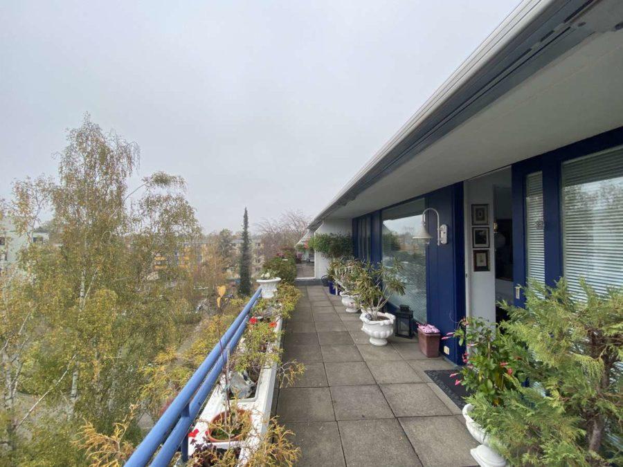 TOPLAGE! Sehr attraktive, ruhige & helle Wohnung mit großer Sonnenterrasse und Blick ins Grüne - 1