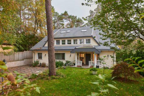 TOP ANGEBOT: Villa mit Spabereich und Indoorpool auf 1500m² uneinsehbarem Grundstück in Toplage, 13465 Berlin, Villa