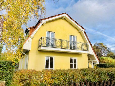Sehr großes & gepflegtes Ein-/Zweifamilienhaus mit zwei Balkonen in idyllischer Lage, 13129 Blankenburg, Einfamilienhaus