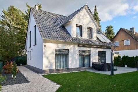 Neuwertiges Einfamilienhaus in familienfreundlichster Lage, 12305 Berlin, Einfamilienhaus