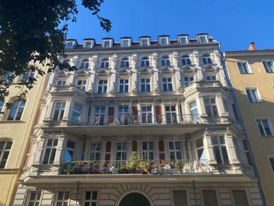 Traumhafte familienfreundliche Designerwohnung im Altbau- Ensemble in Top Lage - Titelbild
