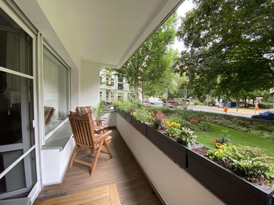 Sehr schöne & geräumige Wohnung im Bestzustand mit Balkon im Bayerischen Viertel - Titelbild