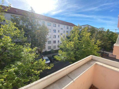 Gepflegte & adrette Wohnung mit Balkon in ruhiger Lage nähe Kurfürstendamm, 10711 Charlottenburg, Etagenwohnung