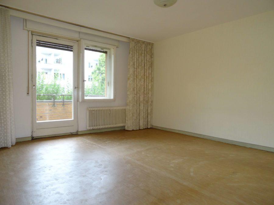Familienfreundliche Wohnung mit Balkon in zentraler Lage von Marienfelde - Bild