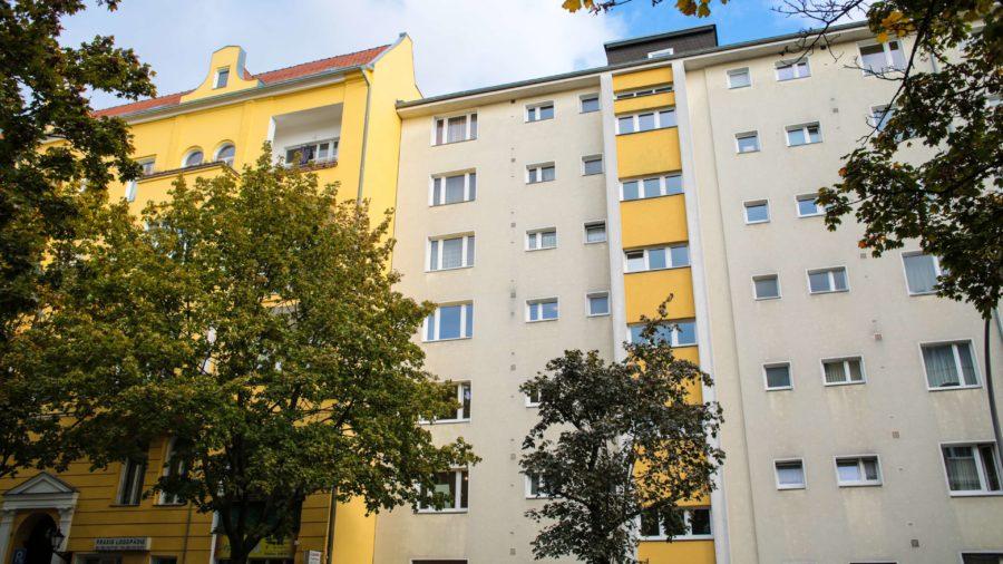 TOPLAGE IN DIREKTER NÄHE ZUM KADEWE: Neuwertige Eigentumswohnung in Berlin Schöneberg - Haus