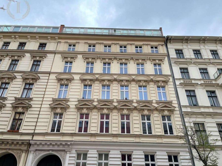 Bergmannkiez! Sanierte Altbau-Wohnung mit hohen Decken und Stuck in Toplage - Hausansicht