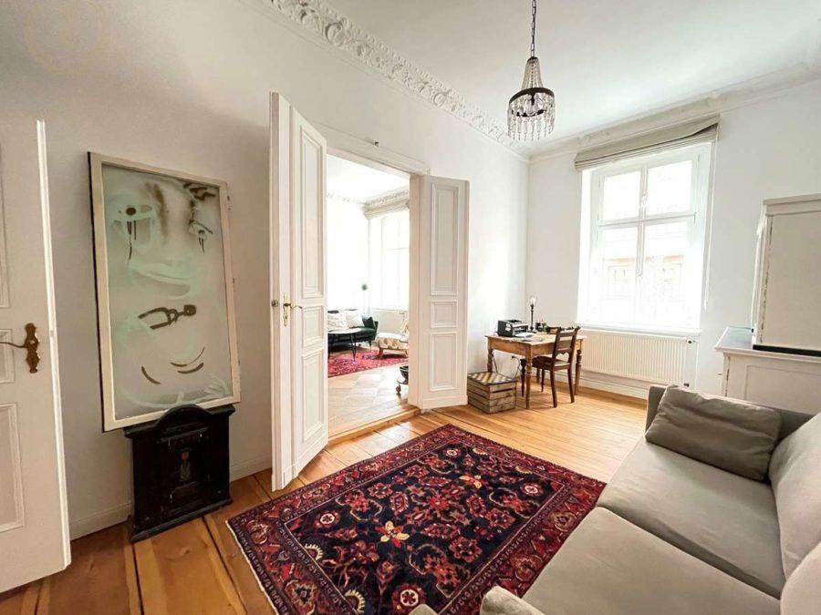 Bergmannkiez! Sanierte Altbau-Wohnung mit hohen Decken und Stuck in Toplage - Zimmer