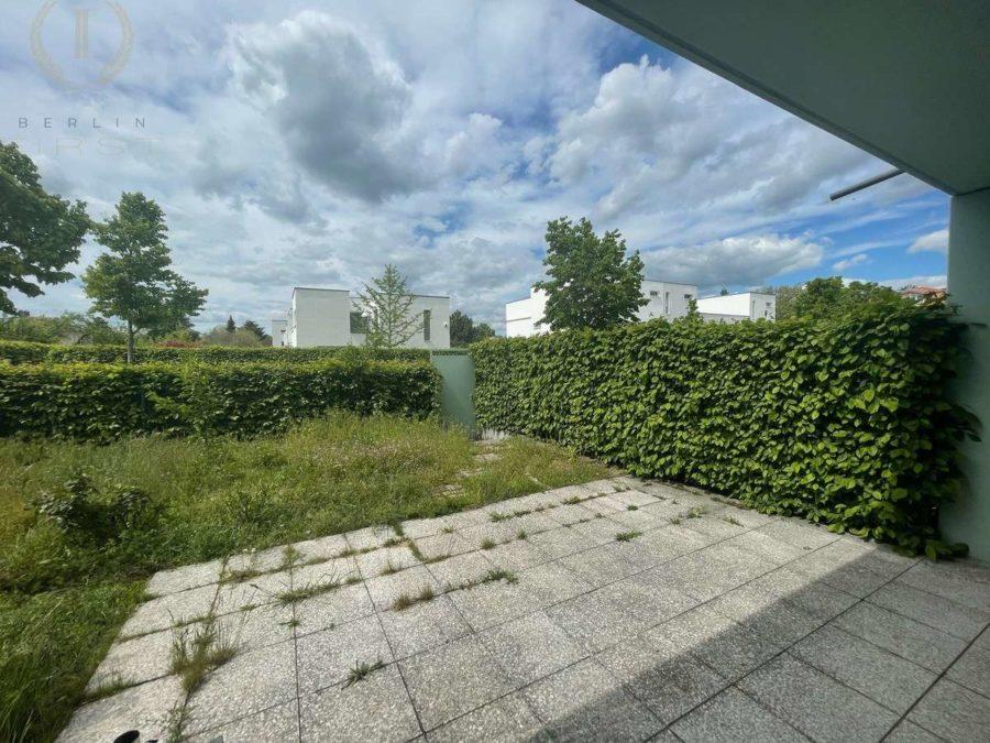 Schweizer Architektenhaus mit Pkw-Stellplatz in sehr begehrter und ruhiger Lage von Zehlendorf - Terrasse