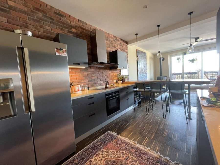 Ruhe mit Privatsphäre und Design! Einzigartiges Dachgeschoss mit vielen Extras in Bestlage - Kochen