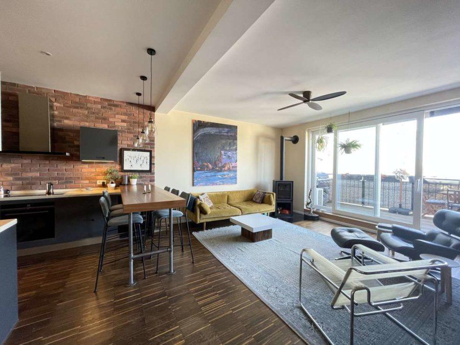 Ruhe mit Privatsphäre und Design! Einzigartiges Dachgeschoss mit vielen Extras in Bestlage - Zimmer (1)