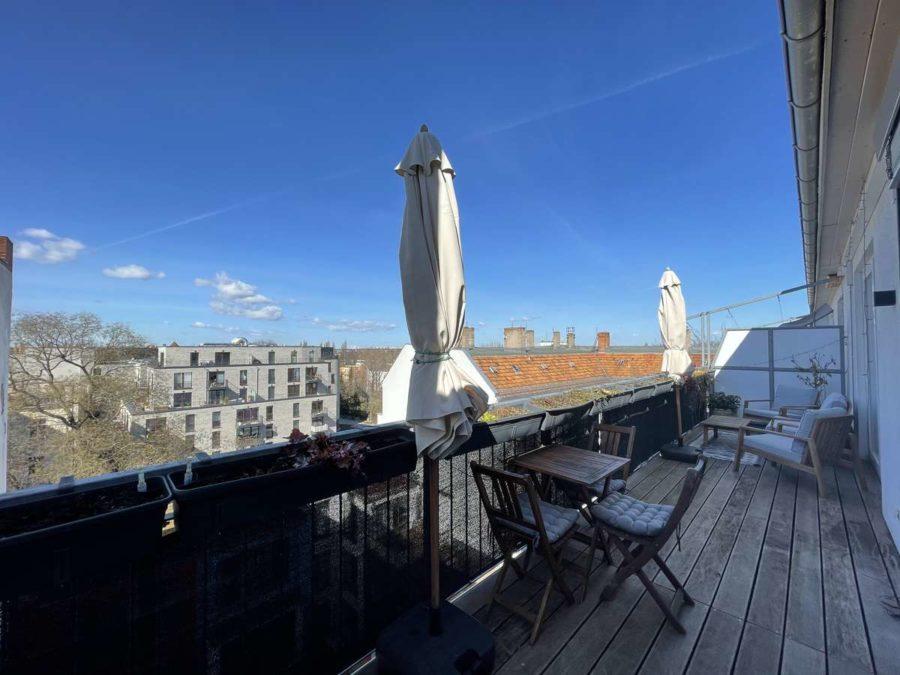 Ruhe mit Privatsphäre und Design! Einzigartiges Dachgeschoss mit vielen Extras in Bestlage - Dachterrasse (2)