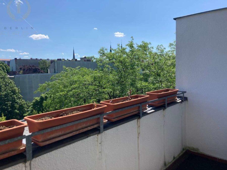 Behagliche 2-Zimmerwohnung mit Süd-Balkon in Szenekiez von Moabit - Balkon